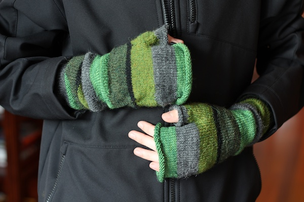 Knitting Pattern For Fingerless Gloves Using Circular Needles : mittens Italian Dish Knits