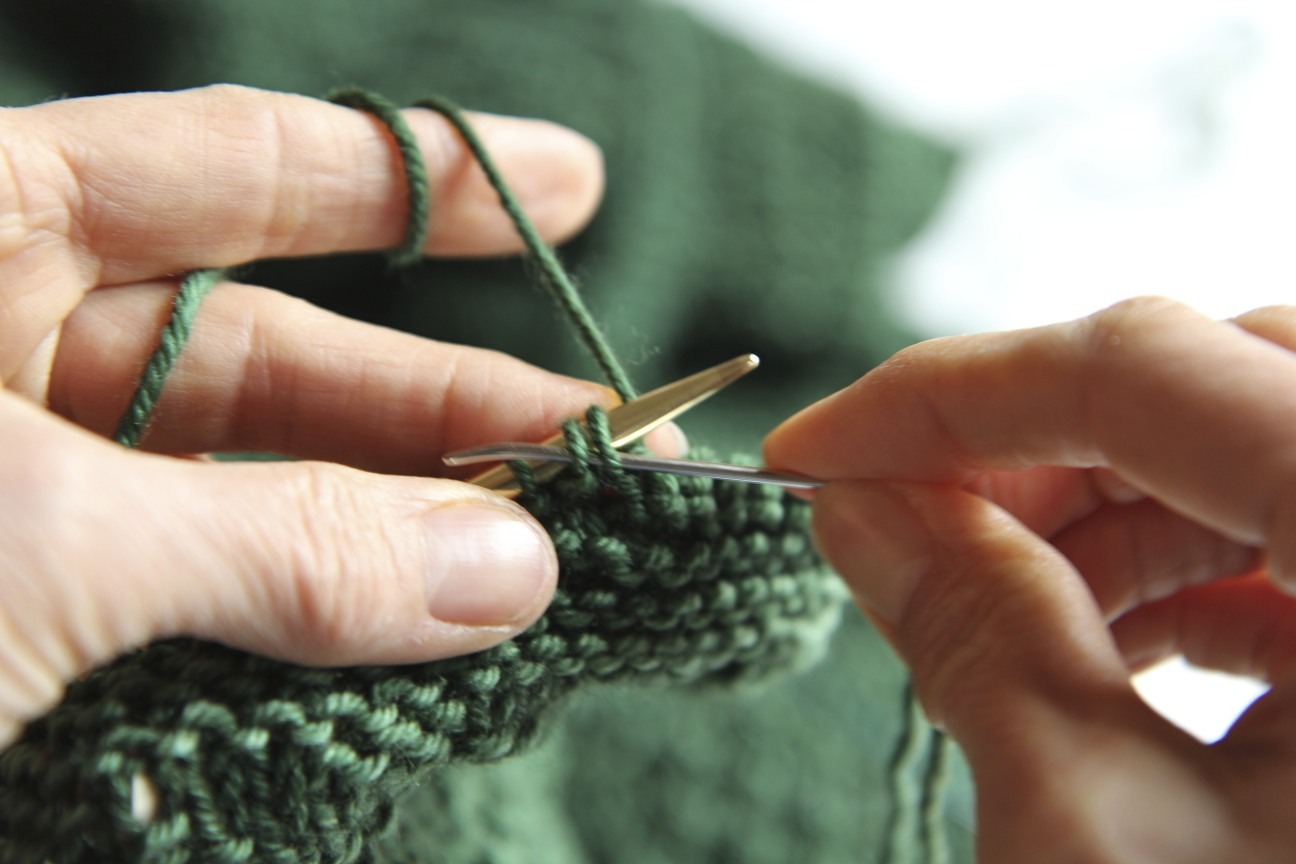 Knitting Stitches Cast Off : Super Stretchy, Super Easy Sewn Bind Off Italian Dish Knits