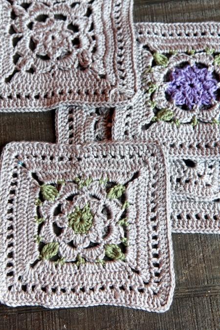 crochetsquaresoverlay