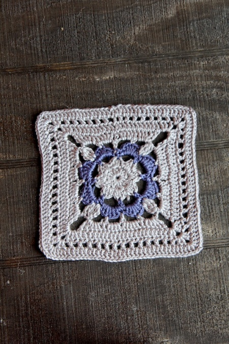 gray:purplecrochetsquare