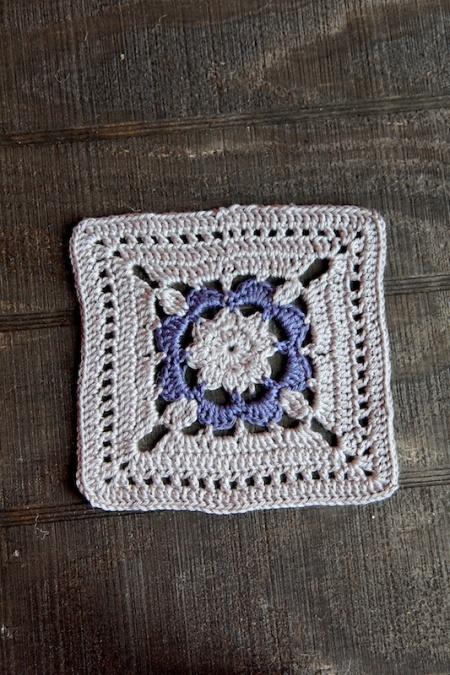 gray:purplecrochetsquare