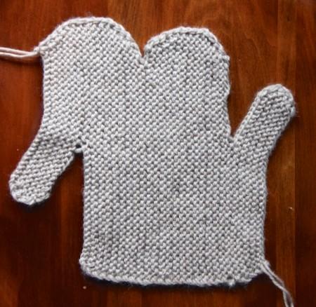 mitten-knitted-flat