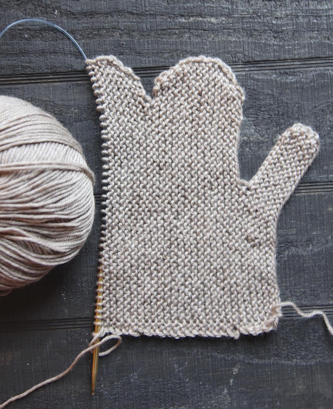 Cozy Mittens Knitted Flat | Italian Dish Knits