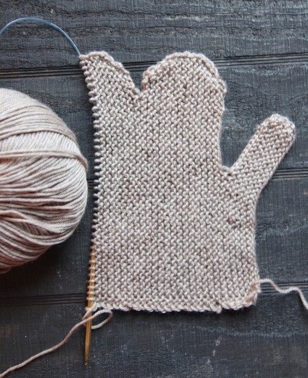 Picking Up Stitches In Knitting Mitten Thumb : Cozy Mittens Knitted Flat Italian Dish Knits