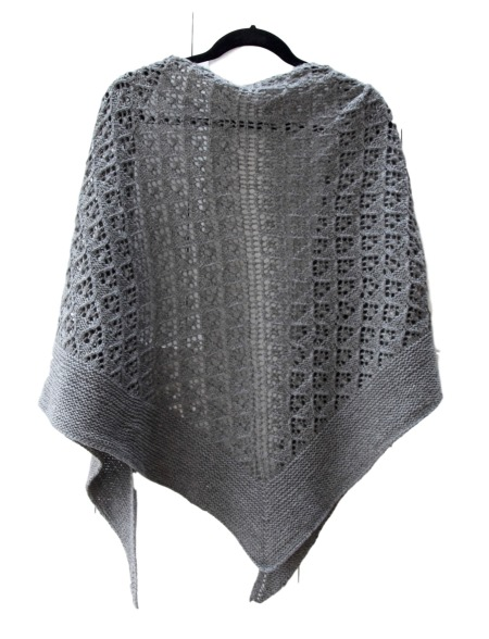 capella-shawl-hanging-back