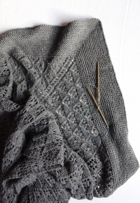 capella-shawl-with-needles