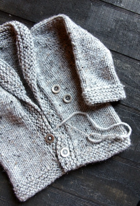 shawl-sweater-sewing-buttons