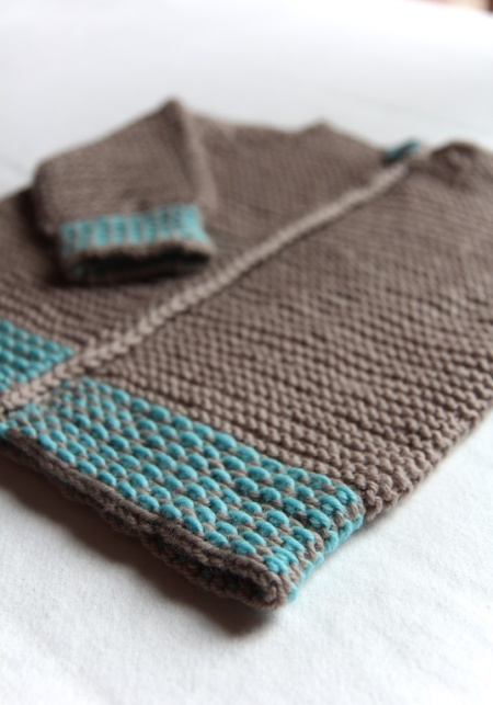garter-stitch-sweater-detail