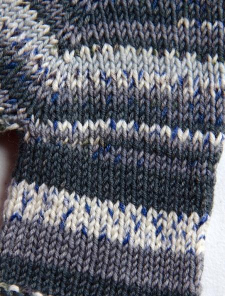 Lilla Koftan stitches detail
